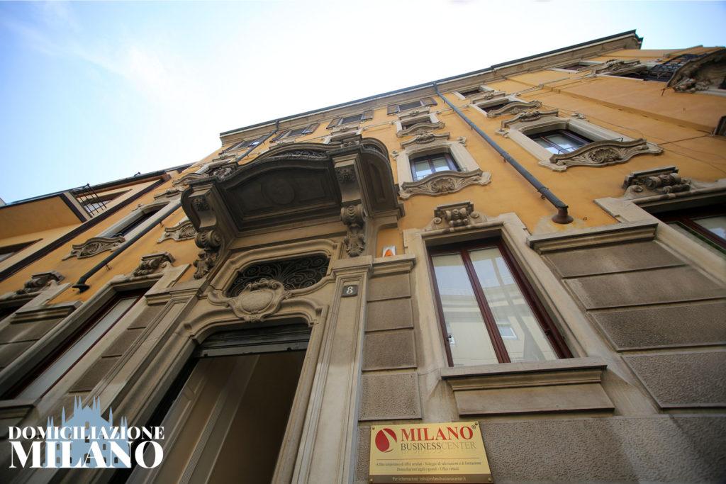 facciata palazzo uffici Milano centrale