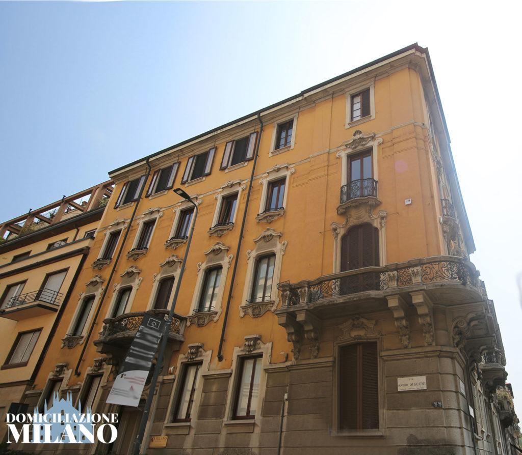 facciata palazzo uffici arredati centrale